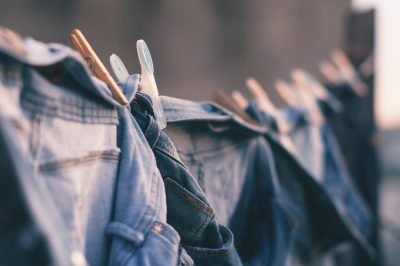 Is It Better to Hand-wash Clothes or Machine-wash Them?